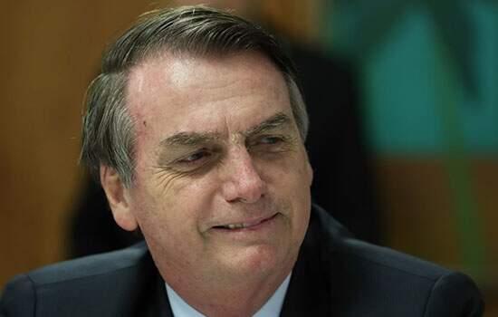 Bolsonaro agora defende compra de vacinas por emptresários
