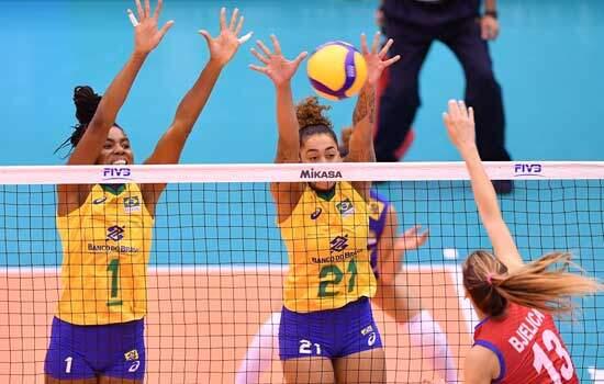 A seleção brasileira feminina de vôlei estreou com vitória na Copa do Mundo