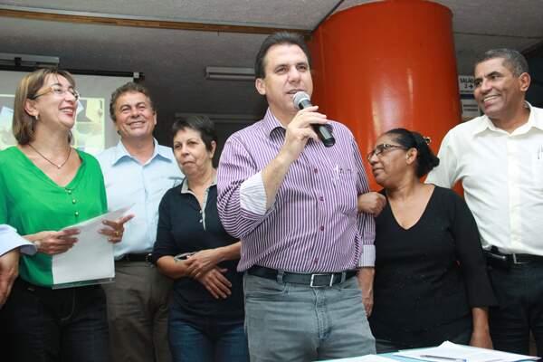 Marinho fala para os moradores