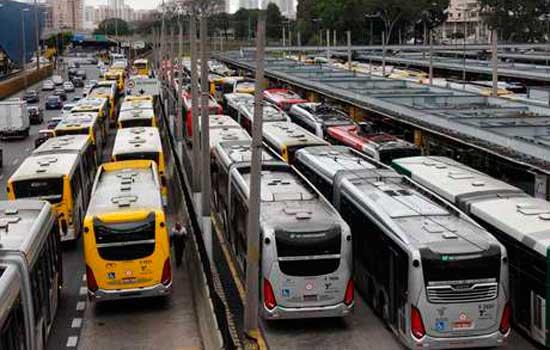 Paralisação de motoristas de ônibus afeta 21 linhas na zona leste de SP