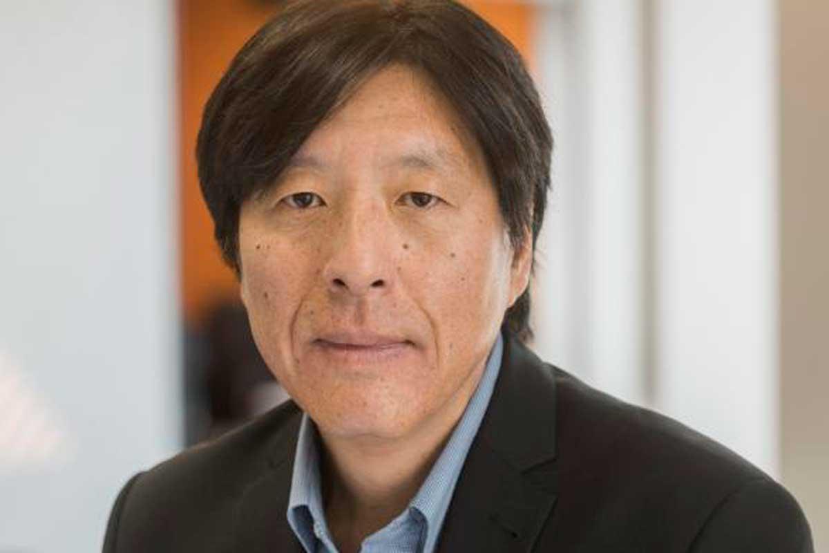 Doutor em Ciências Administrativas e Engenharia, Soong é mestre em Sociologia e também em Sistemas Econômicos e de Engenharia pela Universidade de Stanford, além de ter concluído a graduação em Engenharia Mecânica pela Technische Universität Berlin