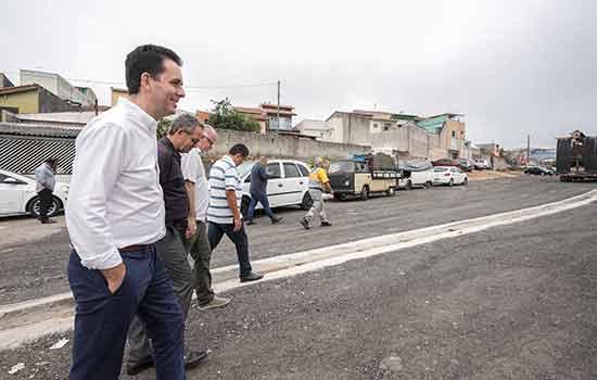 Prefeito Paulo Serra esteve na região nesta quarta-feira e ainda vistoriou obras do programa Rua Nova na Vila Linda - Continue lendo