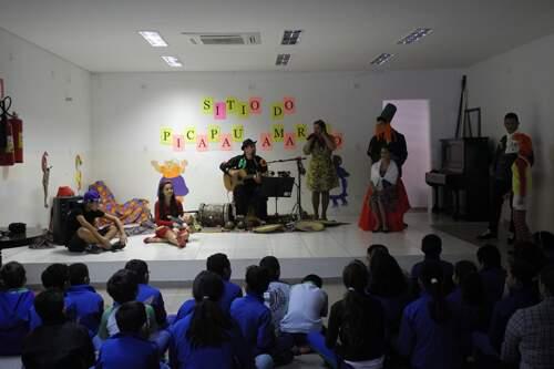 Crianças conheceram personagens da obra de Monteiro Lobato