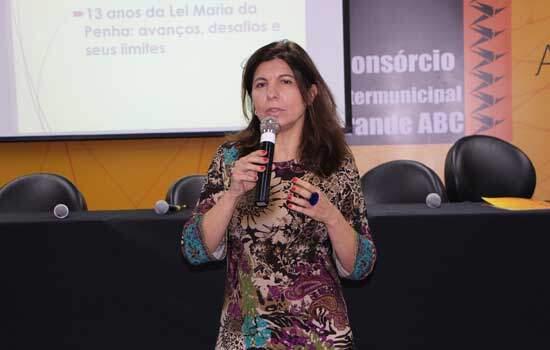 Seminário no Consórcio ABC debate os 13 anos da Lei Maria da Penha