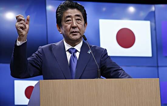 Para o primeiro-ministro japonês, Shinzo Abe, o surto de coronavírus desmontou o que deveria ter sido um ano olímpico triunfante.