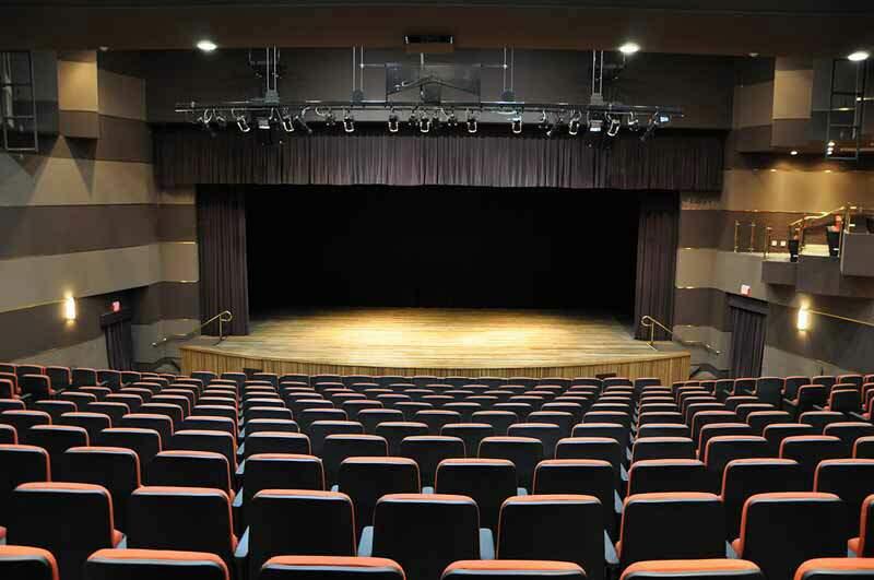 Teatro Engenheiro Salvador Arena foi inaugurado em 30 de junho de 2005