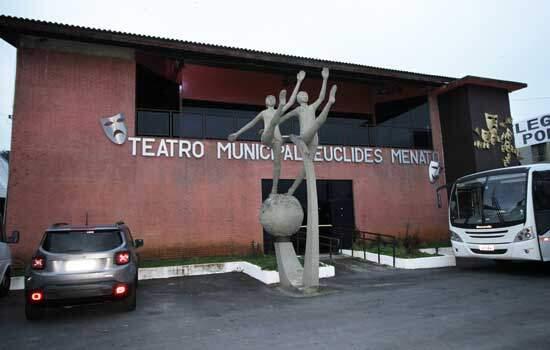 Biblioteca Municipal de Ribeirão Pires abre espaço para escritores do município