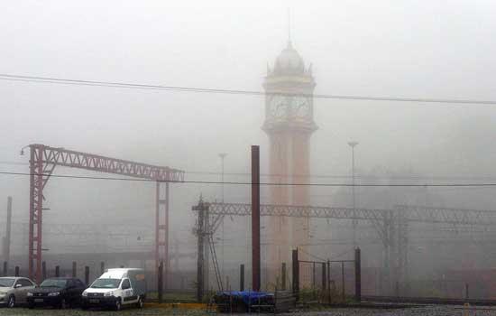 Torre do Relógio na Vila de Parapiacaba