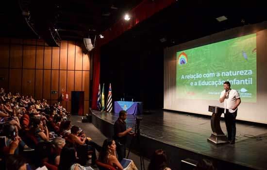 Diadema discute práticas pedagógicas em Simpósio