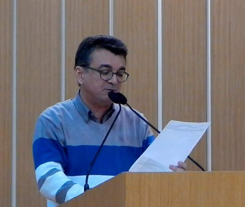 Vereador Professor Jander Lira na  tribuna da Câmara de São Caetano do Sul