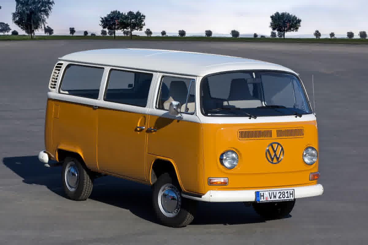 Há 70 anos, era lançada na Alemanha a Volkswagen Transporter T1, a Kombi