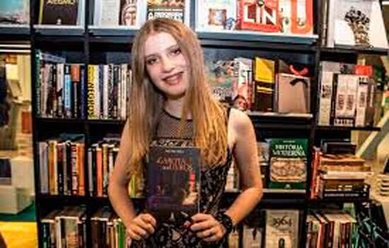 Lançamento do livro 'A Garota dos Livros'