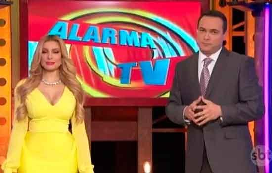 Janice Villagrán e Sergio Catalán, apresentadores do 'Alarma TV'