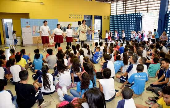 Alunos de Diadema assistem à peça sobre trabalho infantil