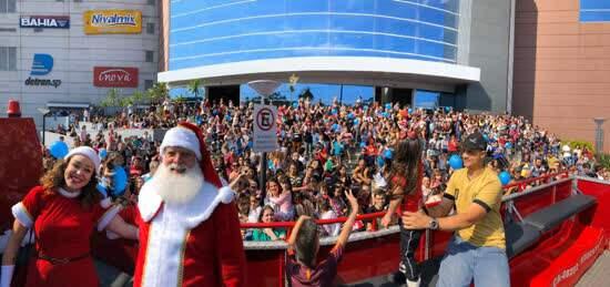Festa do Papai Noel atrai o público para o Natal do Atrium Shopping