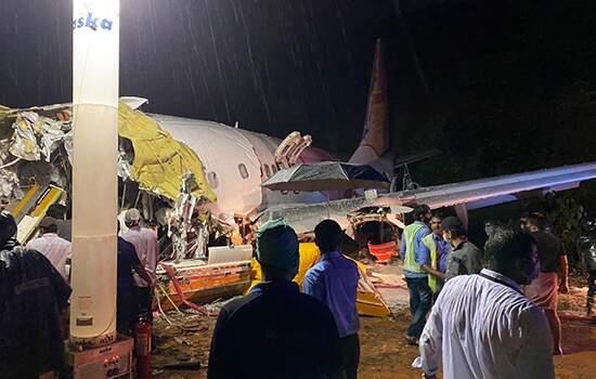 O avião trazia indianos repatriado que estavam nos Emirados Árabes por conta da pandemia