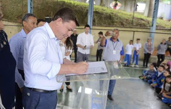 Prefeito Orlando Morando autoriza reforma em escola do Baeta Neves