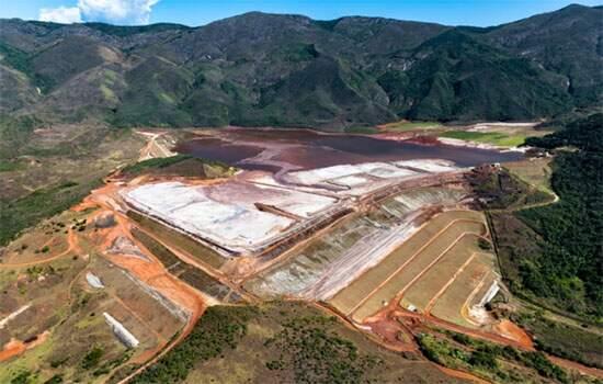 De acordo com a mineradora, o plano de descaracterização da barragem será iniciado em março e a realocação será temporária