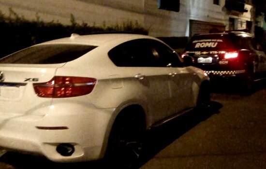 GCM de São Caetano encontra BMW X6 no Bairro Cerâmica; veículo havia sido roubado na Vila Ema, em São Paulo