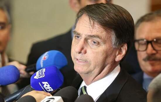 Segundo Jair Bolsonaro, a inclusão dos Estados e municípios na reforma continua sendo uma interrogação dentro do Parlamento