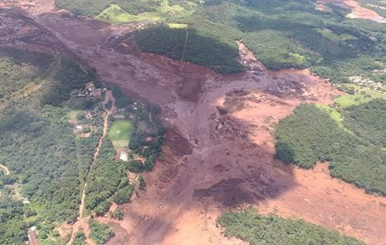 O rompimento da barragem de Brumadinho, que provocou mais de 200 mortes e poluiu o Rio Paraopeba, completou na terça-feira, 25 de junho, cinco meses - Continue lendo