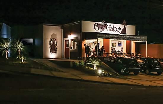 """A cafeteria 'Café com Gatos"""" em Campinas"""