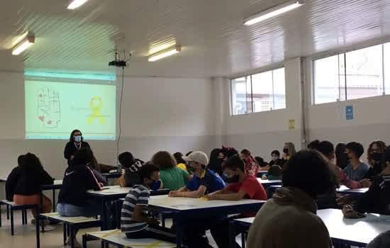 CRAS Quarta Divisão leva campanha Setembro Amarelo para escolas da região