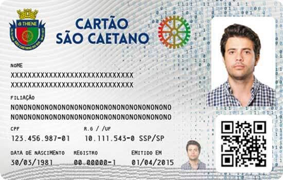 """""""Essa ferramenta tecnológica de gestão prioriza o acesso dos moradores de São Caetano aos serviços municipais"""", esclarece Auricchio"""