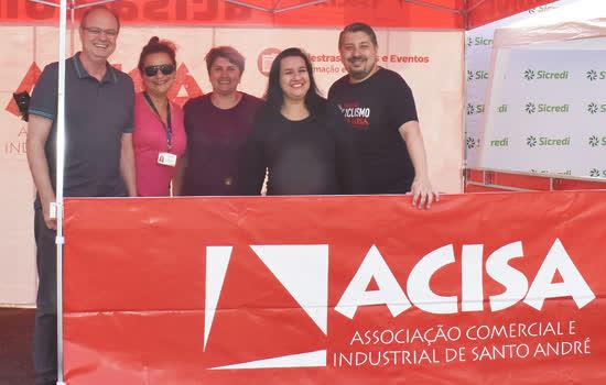 Ontem (15 de setembro), o Núcleo de Ciclismo da ACISA realizou a 4ª edição do Viva Bike, no Paço Municipal de Santo André. Durante todo o evento, circularam cerca de 3 mil pessoas - Continue lendo
