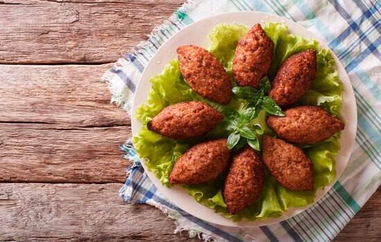 Kibe é uma das receitas árabes mais conhecidas pelos brasileiros