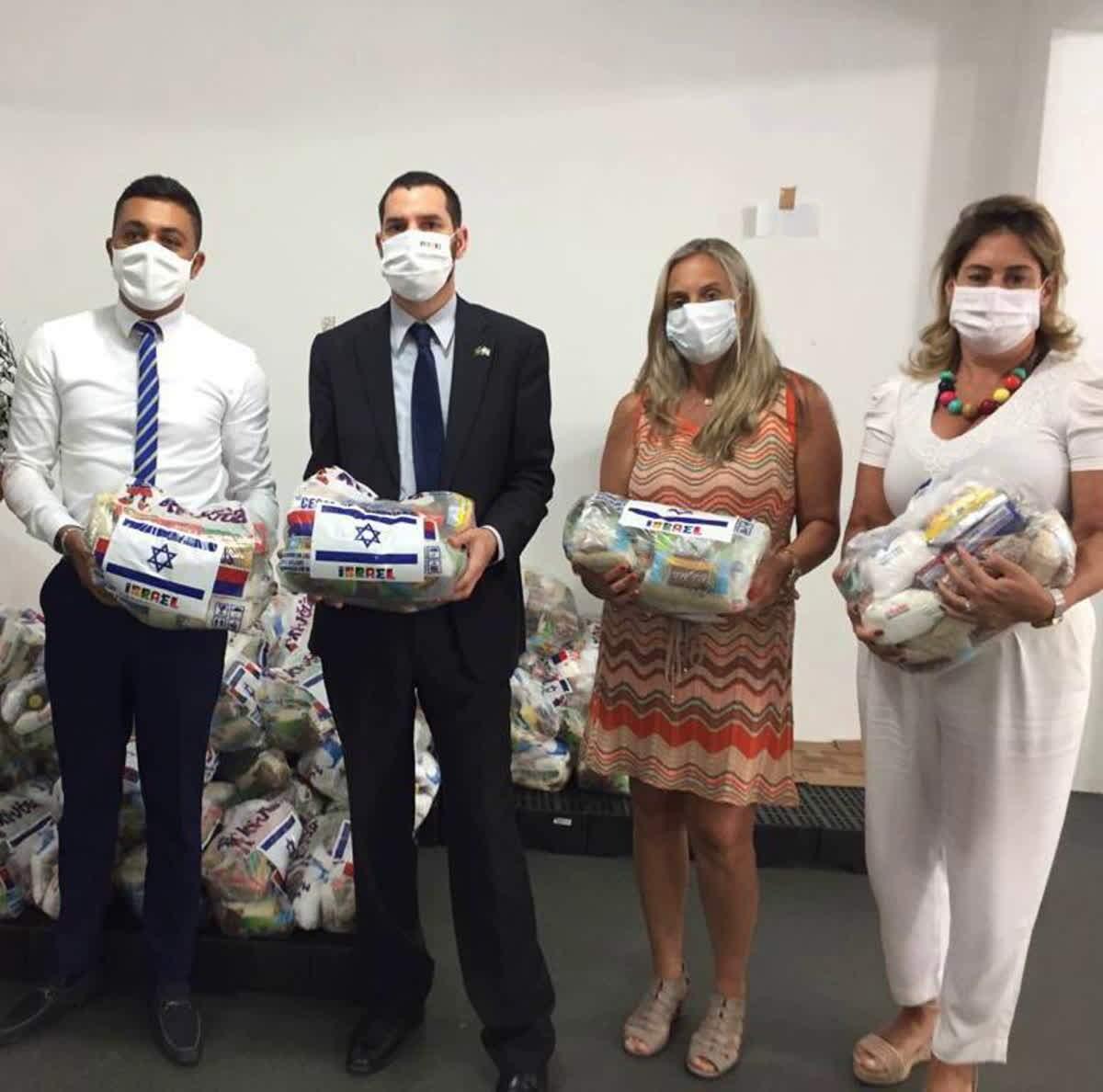 As cestas, que serão doadas a entidades beneficentes da cidade