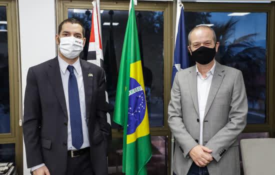 Consulado Geral de Israel em São Paulo faz visita ao prefeito Tite Campanella e doa 100 cestas básicas ao Fundo Social