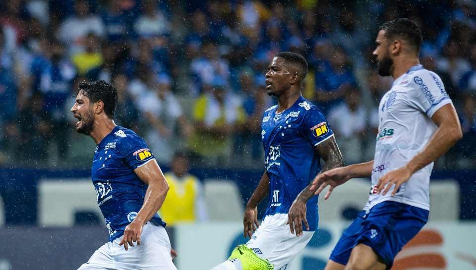 Cruzeiro enfrenta o CSA em casa
