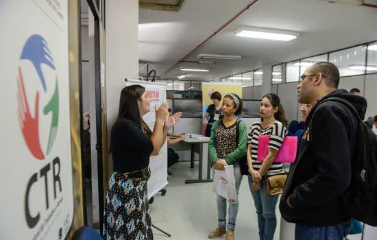"""Centro de Trabalho e Renda de São Bernardo atrai 600 interessados na 5ª edição do """"Dia D"""" de Inclusão para pessoas com deficiência"""