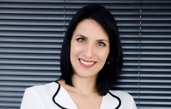 Dra Ana Carolina Moura