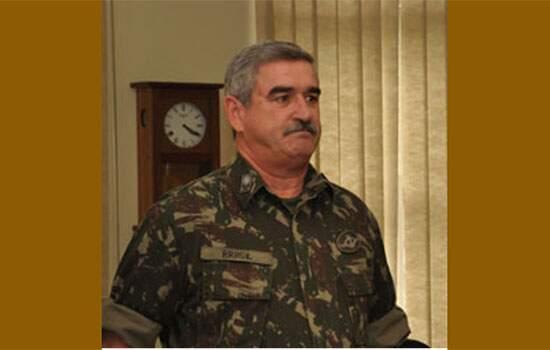 Novo secretário especial do esporte, general Décio dos Santos Brasil, é primo do ex-governador Ciro Gomes (PDT).