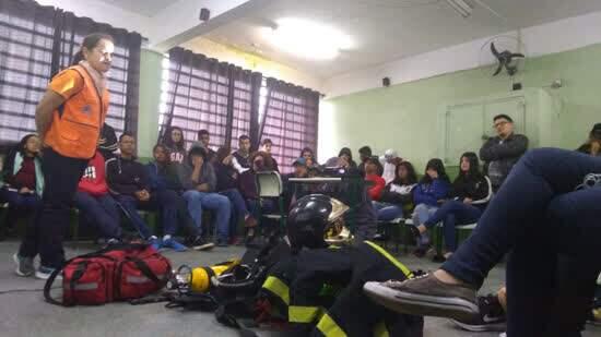 Defesa Civil de Ribeirão Pires promoveu atividades de conscientização em escola estadual