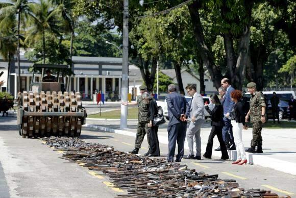 O Exército Brasileiro e o Conselho Nacional de Justiça (CNJ) realizam a destruição do total de armas apreendidas pelo Poder Judiciário e pelas polícias Civil e Militar do Rio