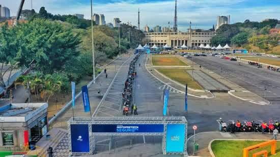 Profissão de motofretista atrai o interesse de quase 4 mil pessoas durante evento do Detran.SP