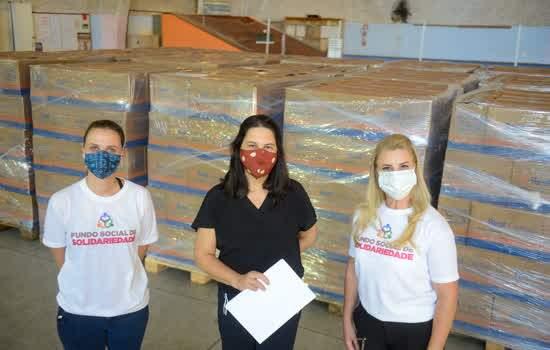 Fundo Social de Solidariedade de São Bernardo entrega 1.845 cestas para profissionais do transporte escolar