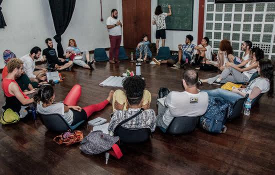 Escola Livre de Teatro abre inscrições para processo seletivo dos Núcleos de Pesquisa