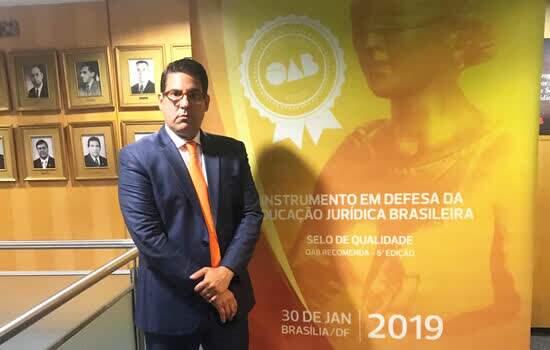Diretor prof. Rodrigo Gago Freitas Vale Barbosa