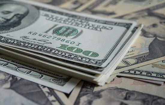Dólar encerrou a sexta-feira vendido a R$ 5,642