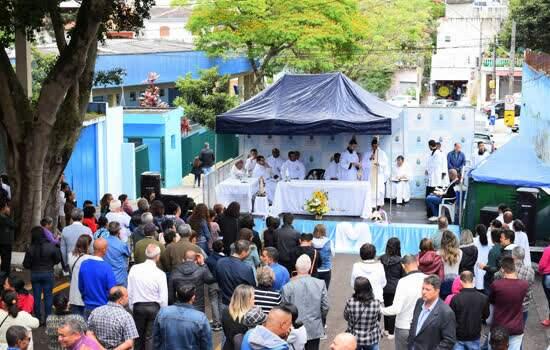 Missa Campal no Cemitério Municipal
