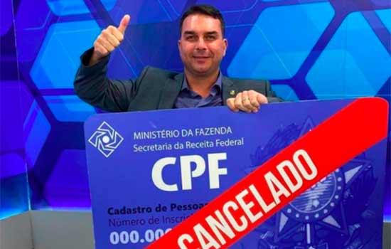 Em agenda no Amazonas, Flávio faz referência a 'CPF cancelado' de bandidos mortos