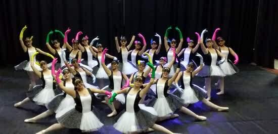 Escola Municipal de Dança de Ribeirão Pires realiza formatura de Ballet Clássico