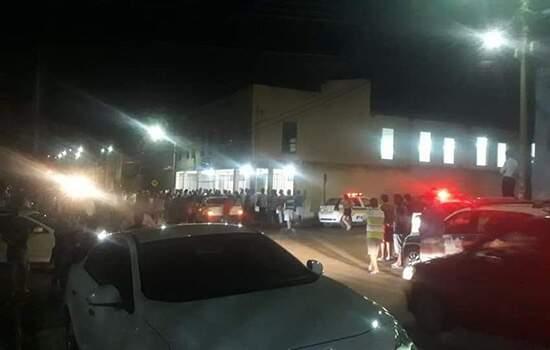 O agressor atacou a companheira a facadas dentro de casa e, logo depois, foi até o templo, onde fez mais vítimas
