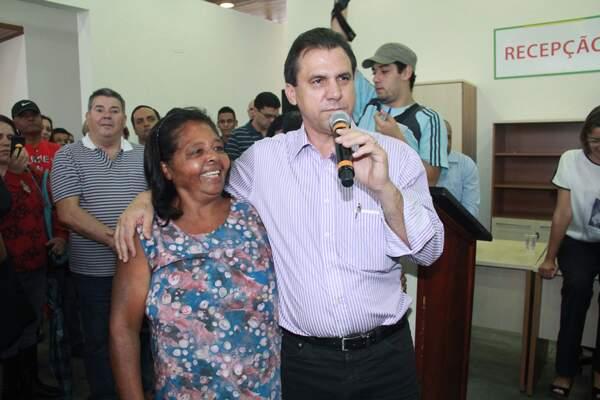Comunidade participa da inauguração do CRAS