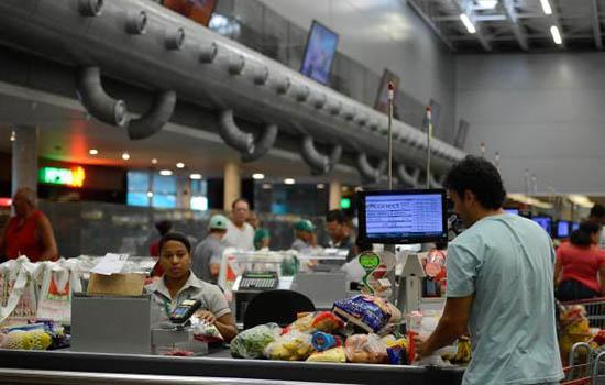 Cerca de 70% da alta inflacionária registrada entre as famílias mais pobres se explica pela variação de preços nos grupos de alimentação e habitação