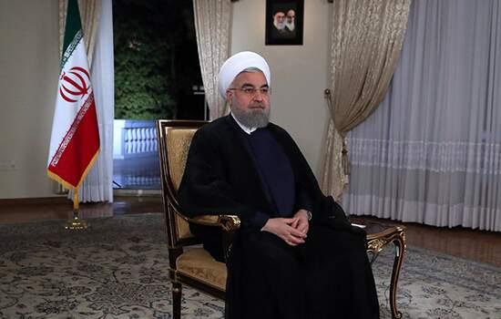 """""""O governo trabalha diariamente para impedir um enfrentamento militar ou a guerra"""", disse Rohani"""